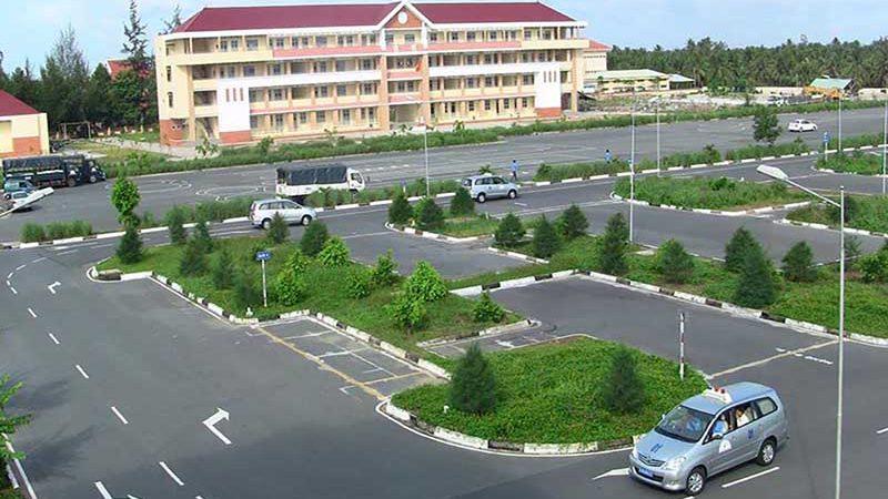 Khóa học bằng lái xe ô tô số tự động cấp tốc tại TPHCM
