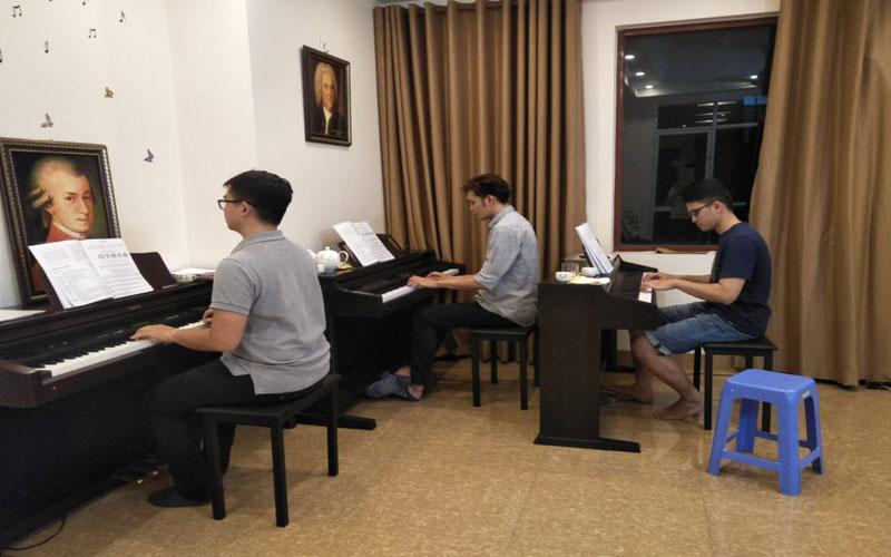 lop-dao-tao-piano